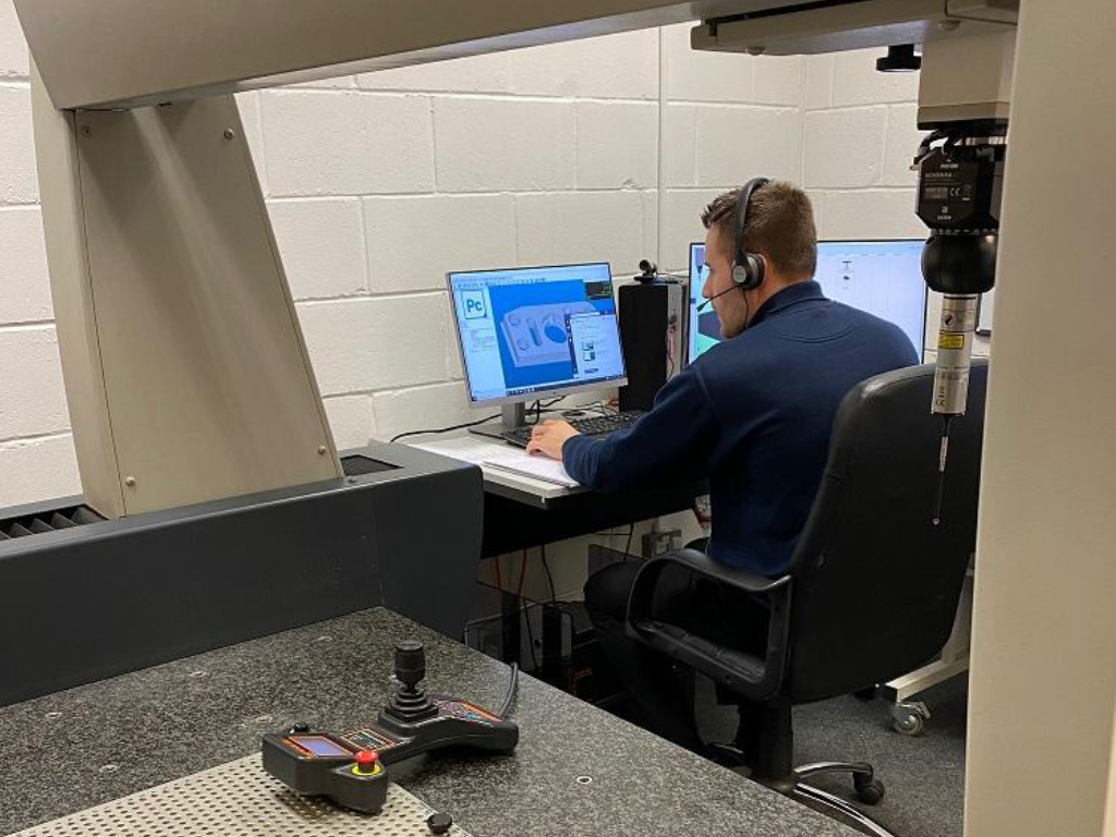 An Apex applications engineer delivering remote training to a Verus expert metrologist.